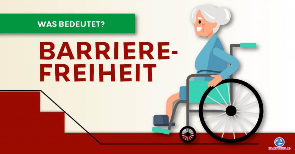 Ältere Dame im Rollstuhl, fährt auf eine Rampe zu